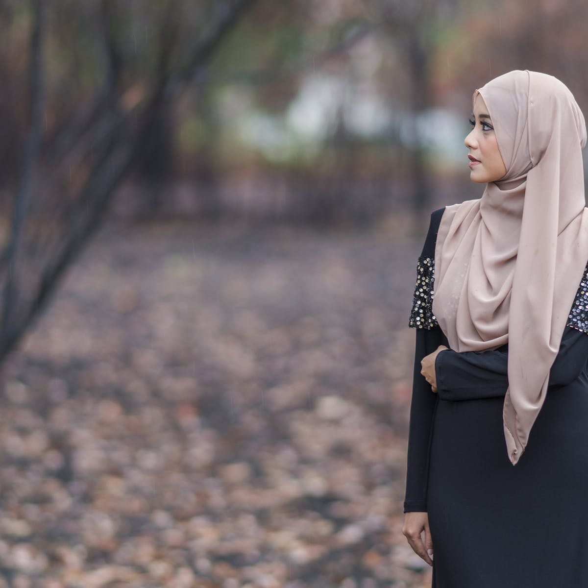 293d2a7978 How Muslim women break stereotypes by mixing faith and modesty with fashion