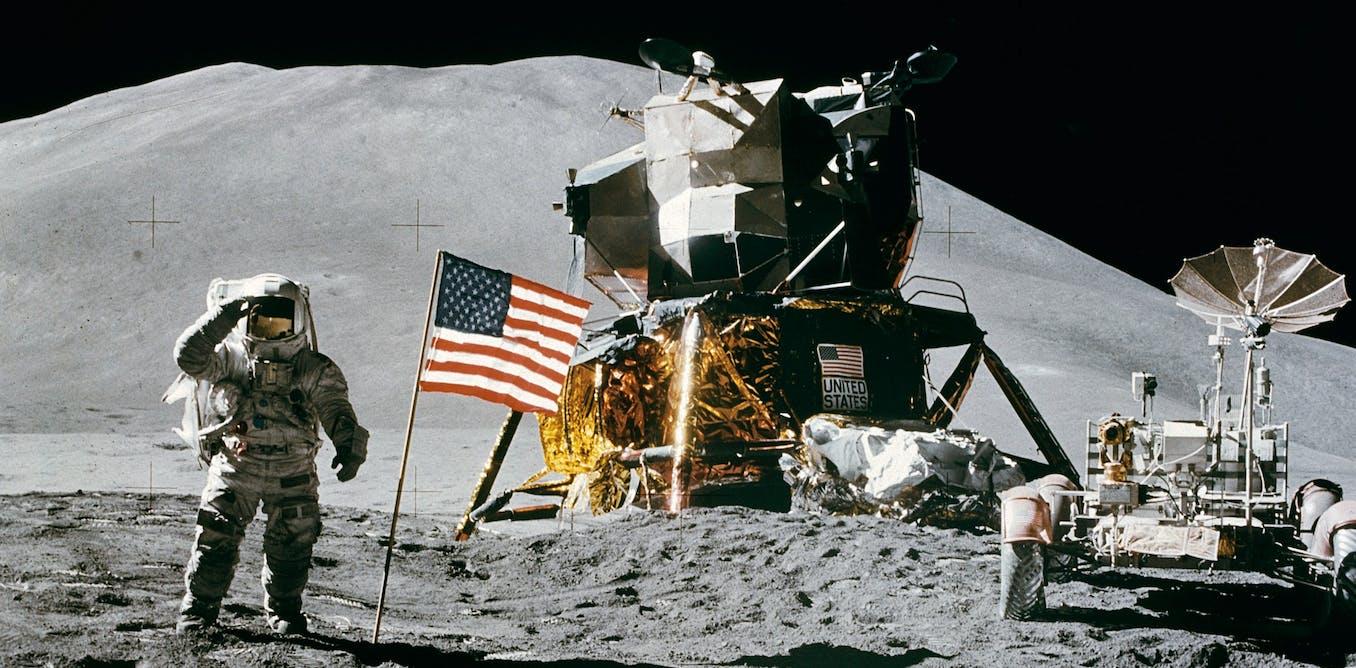 Apakah ponsel Anda cukup kuat untuk membawa Anda ke Bulan?