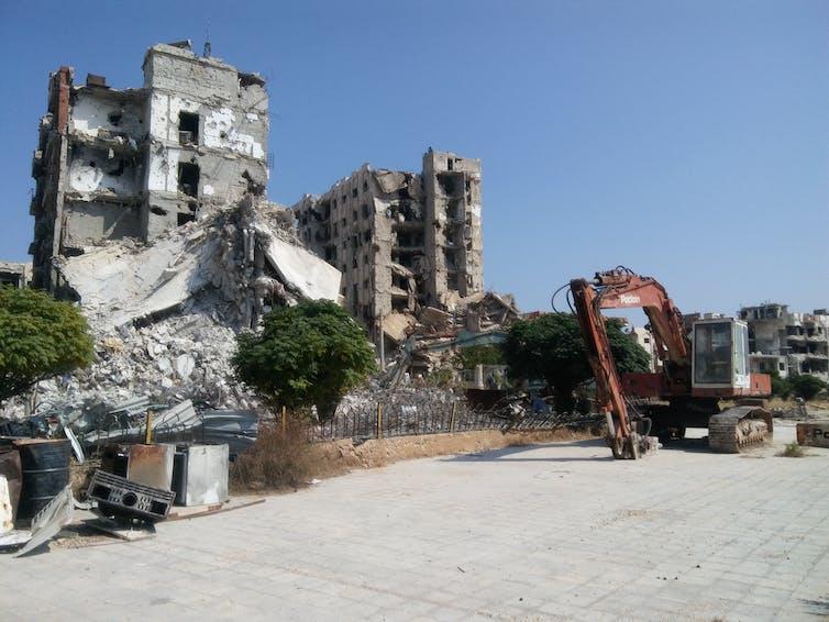 La reconstrucción ya ha comenzado en buena parte de Siria, donde el 20% de las viviendas han sufrido daños de distinta consideración.