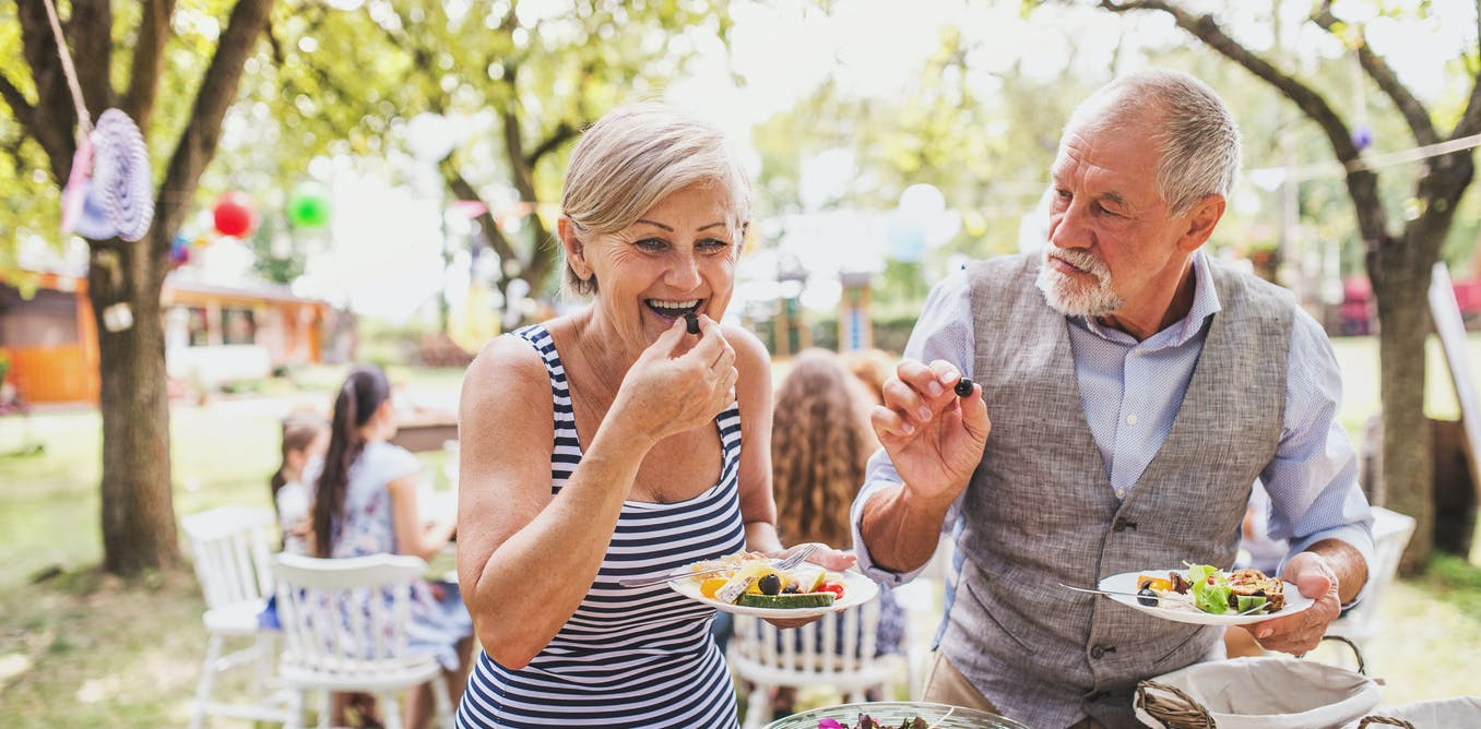 Are there certain foods you can eat to reduce your risk of Alzheimer's disease?
