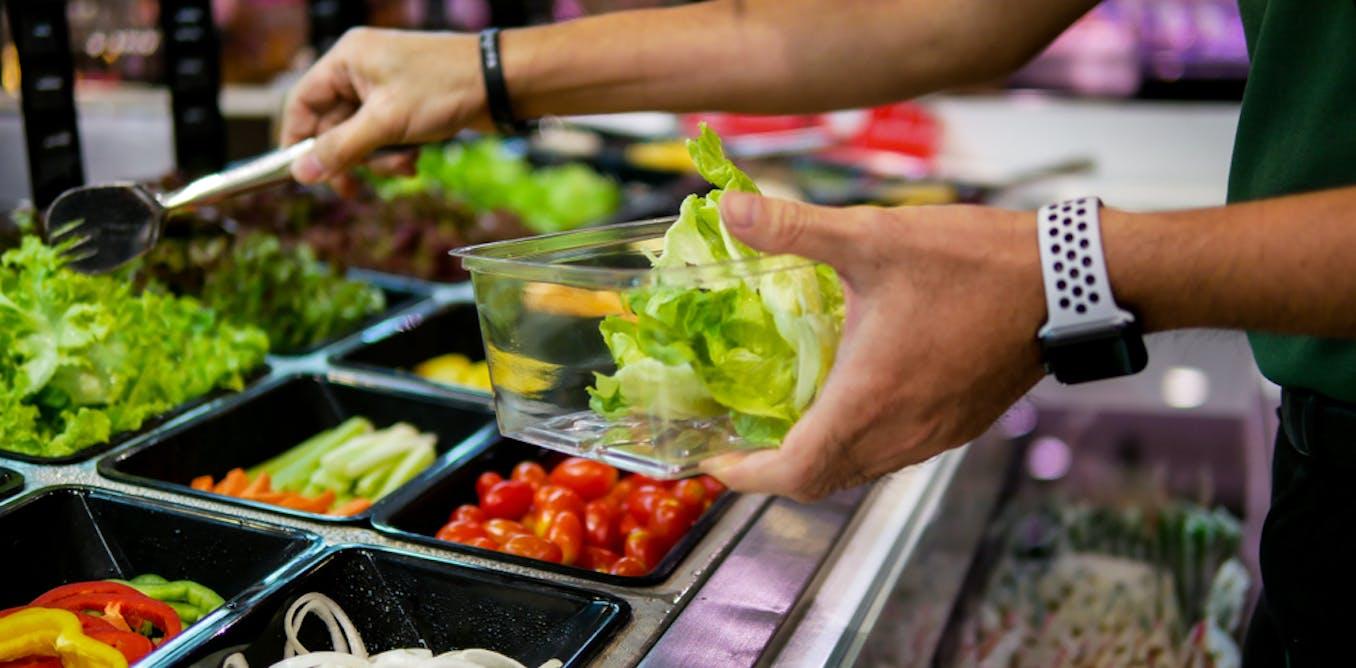Sept façons pour les restaurants d'inciter les gens à mieux manger… sans en avoir l'air