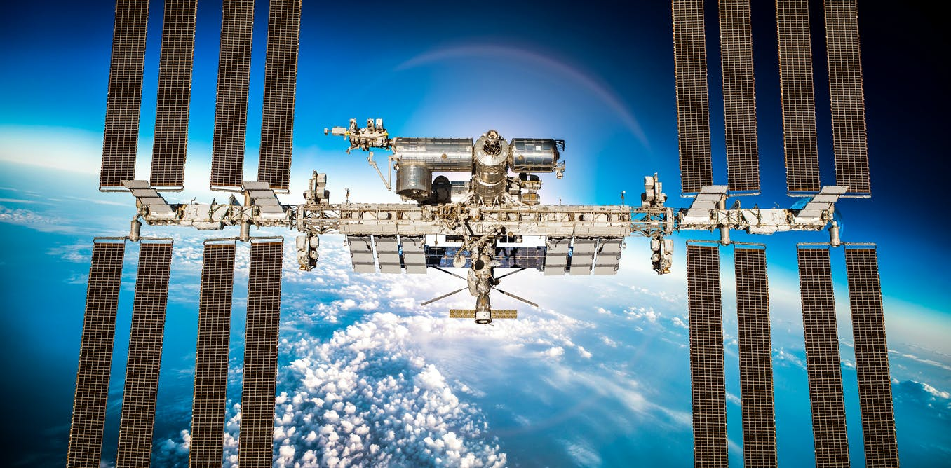Curious Kids: How big is the International Space Station?