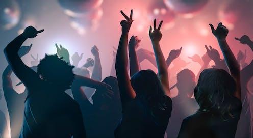 Открытки танцы в клубе