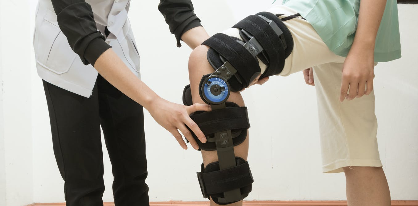 Blinking lights don't make a better knee brace – fighting cognitive biases in testing orthopedic devices