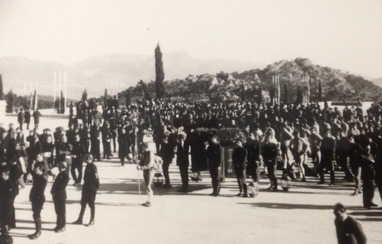 Procesión del 20 de Noviembre de 1965 por los caídos en la guerra del bando vencedor.Colección privada,Author provided (No reuse)