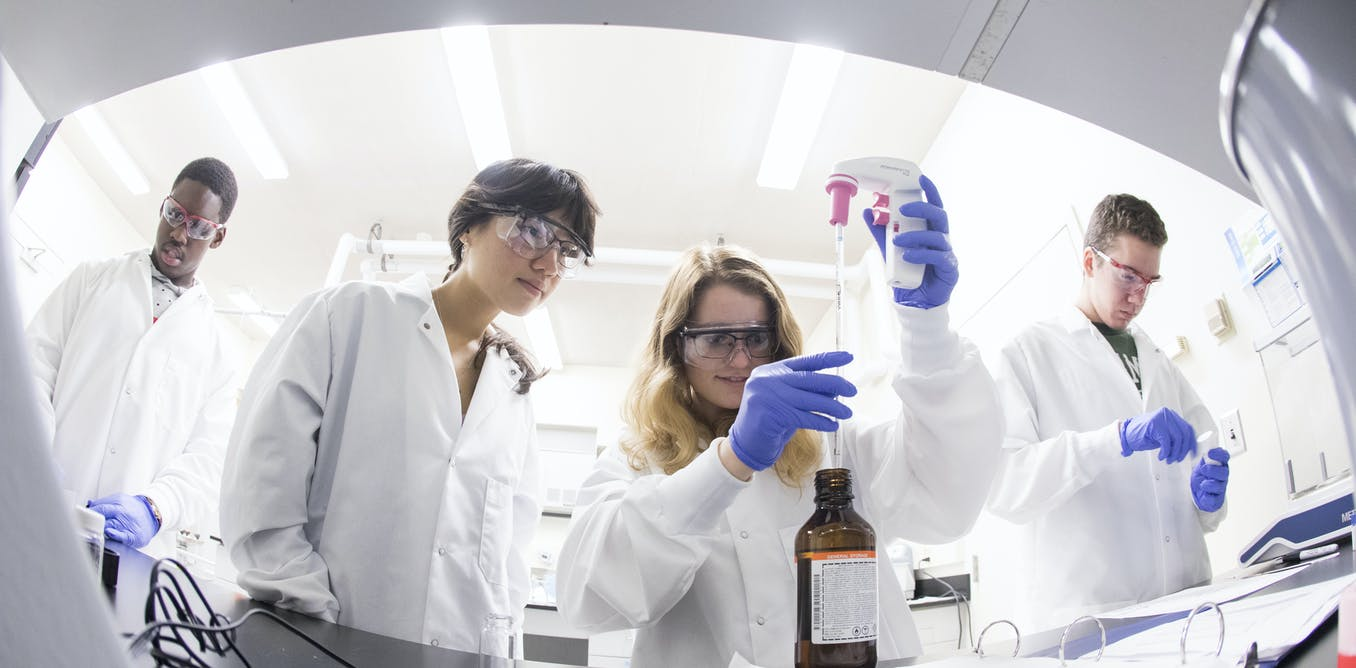 At these colleges, students begin serious research their first year