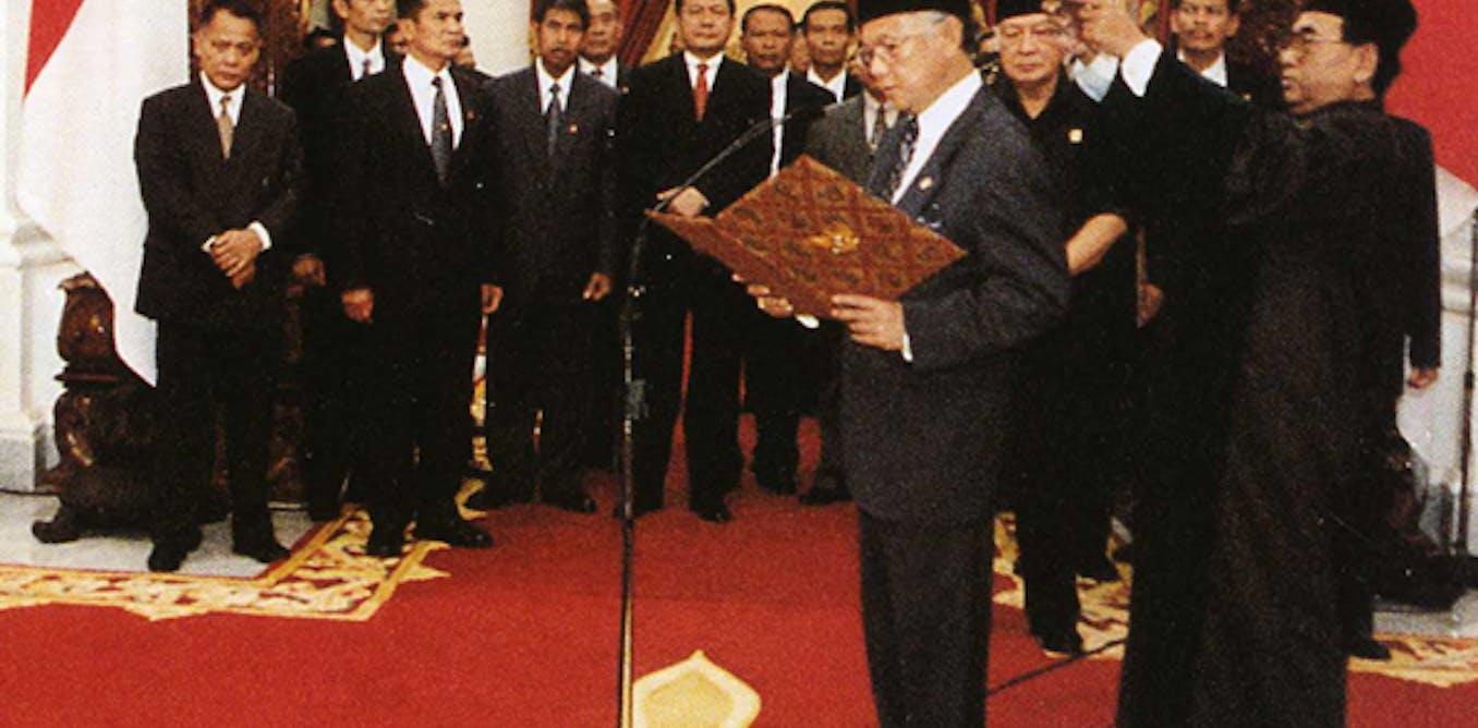 Menyisir jejak politik Habibie dan kontribusinya pada demokrasi dan gerakan antikorupsi di Indonesia