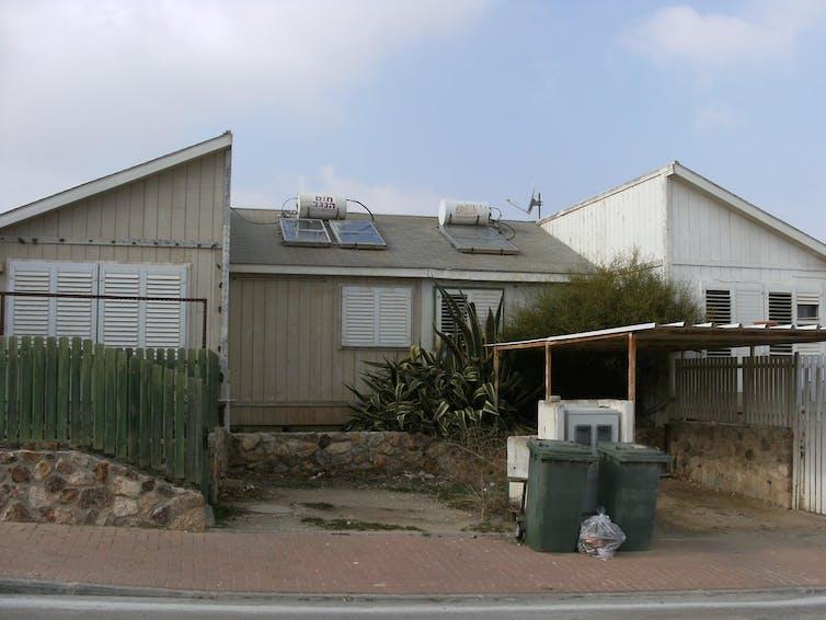 Maisons construites dans les années1990 à Arad, Israël (2015). Photo prise par l'auteure
