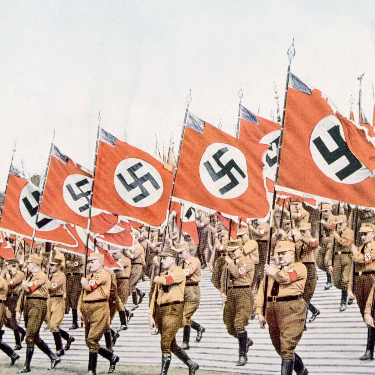 Rise and fall in the Third Reich: Nazi party members and social advancement