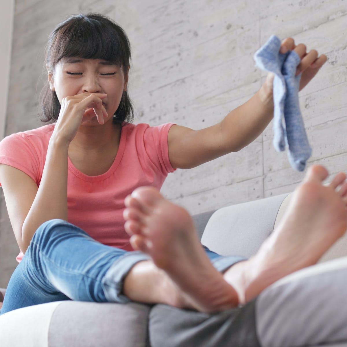 Lesbian Dirty Feet Cleaning