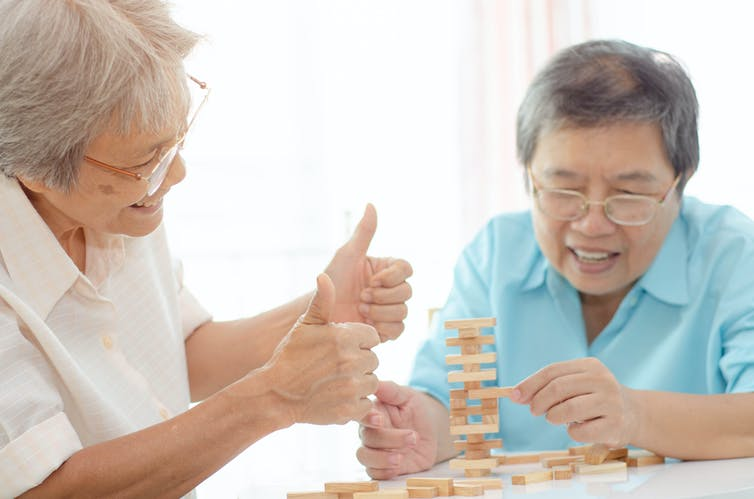 Bilingualism and dementia: how some patients lose their second language and rediscover their first