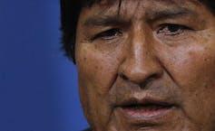 Evo Morales asiste a una conferencia de prensa en La Paz (Bolivia), el 10 de noviembre de 2019. Morales pide que se convoquen nuevas elecciones presidenciales y se revise el sistema electoral.(AP Photo/Juan Karita)