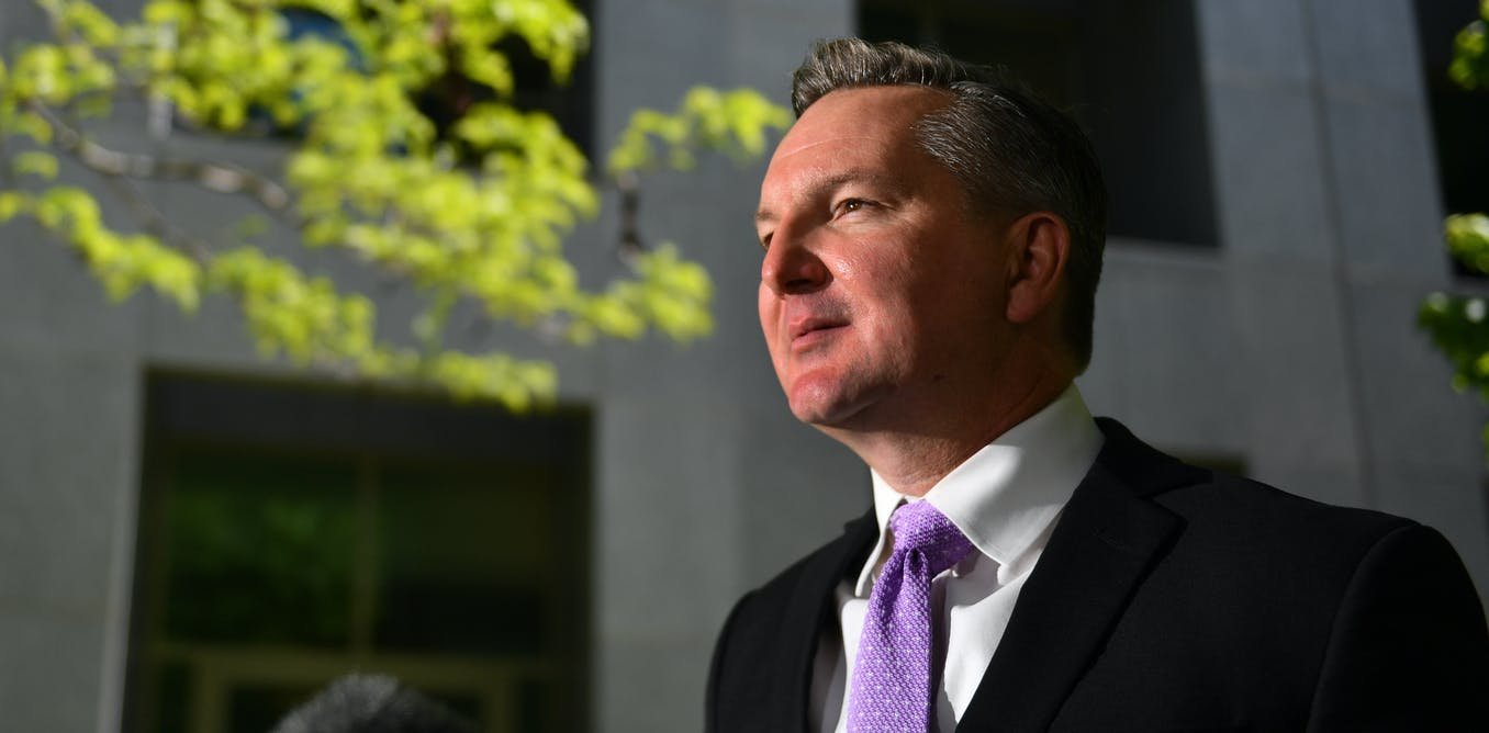 "Make the study of economics ""more sexy"": Chris Bowen"
