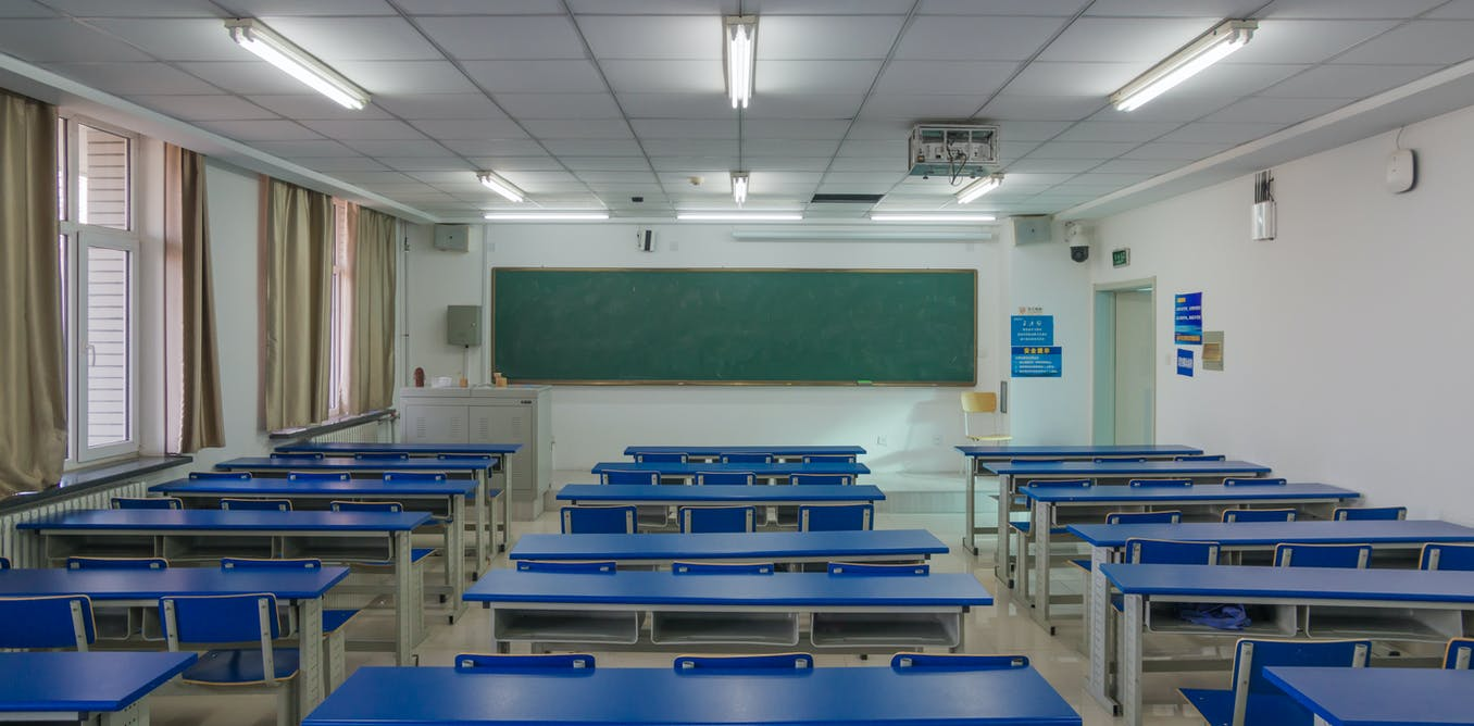 Fluorescent lighting in school could be harming your child's health and ability to read