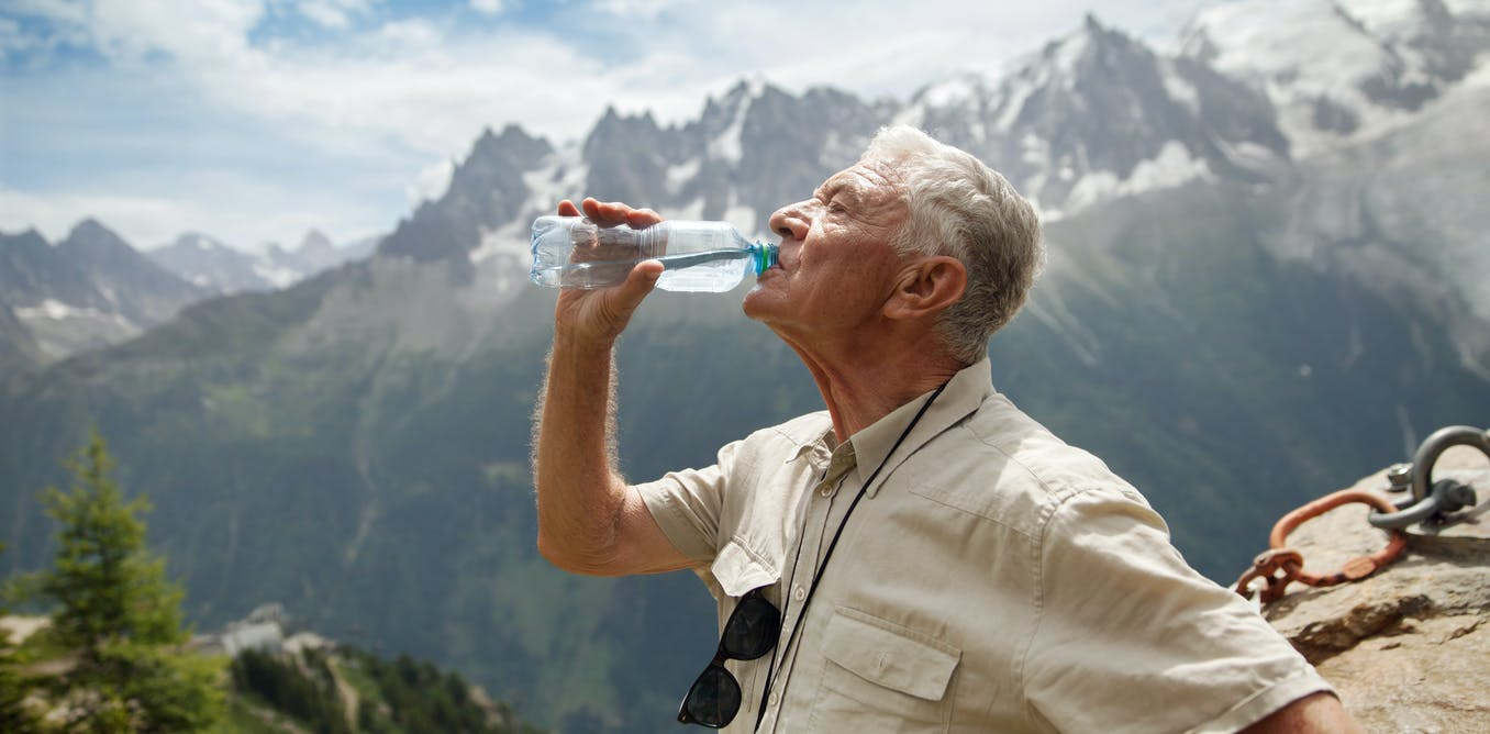 Older people need to stay hydrated: here's how