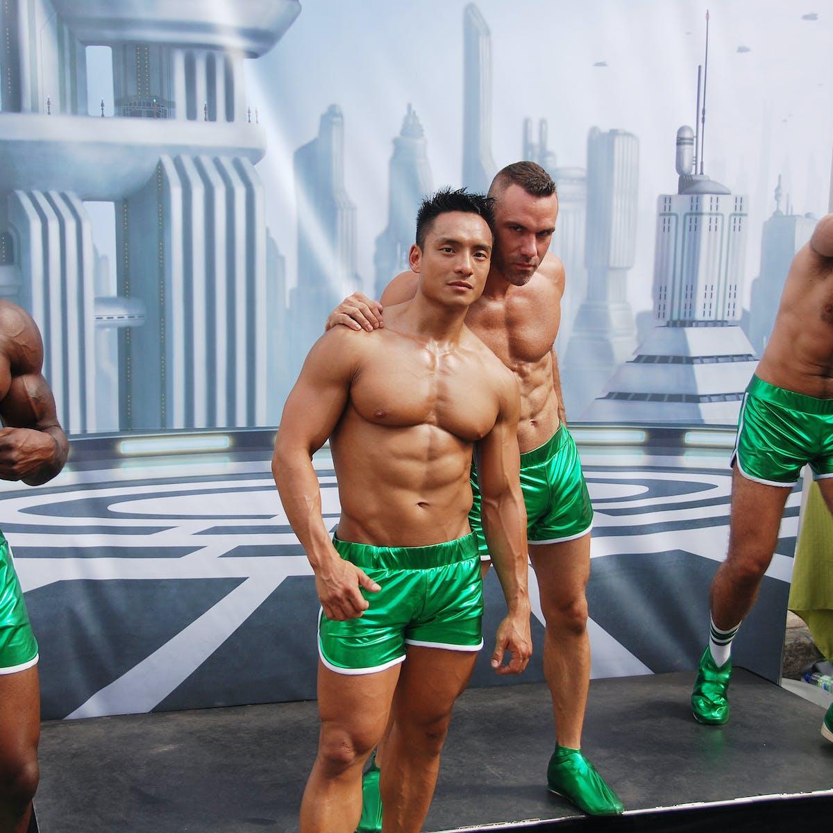 Masculine guys who like feminine guys