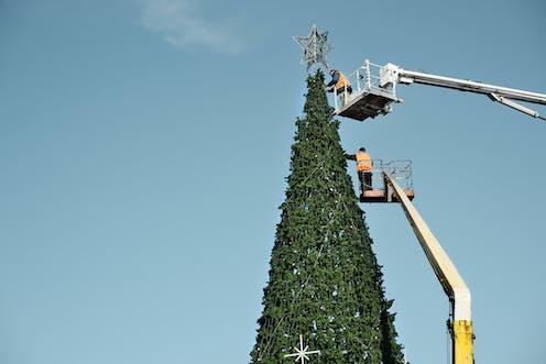 Grand Sapin De Noel Artificiel Le grand débat de Noël : vaut il mieux acheter un sapin naturel ou