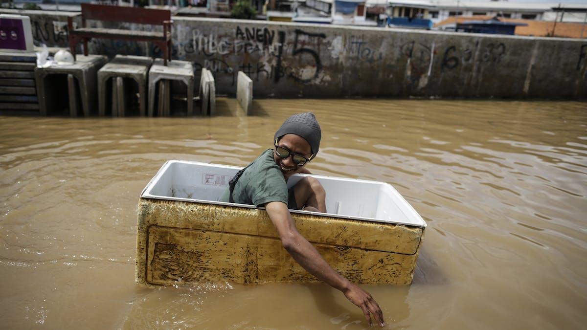 Laporan Karya Ilmiah Banjir Jakarta