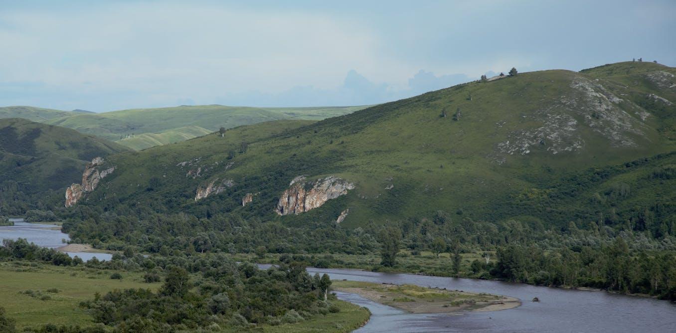 Stone tools reveal epic trek of nomadic Neanderthals