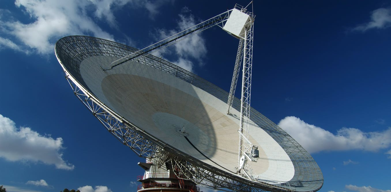 The Dish in Parkes is scanning the southern Milky Way, searching for alien signals