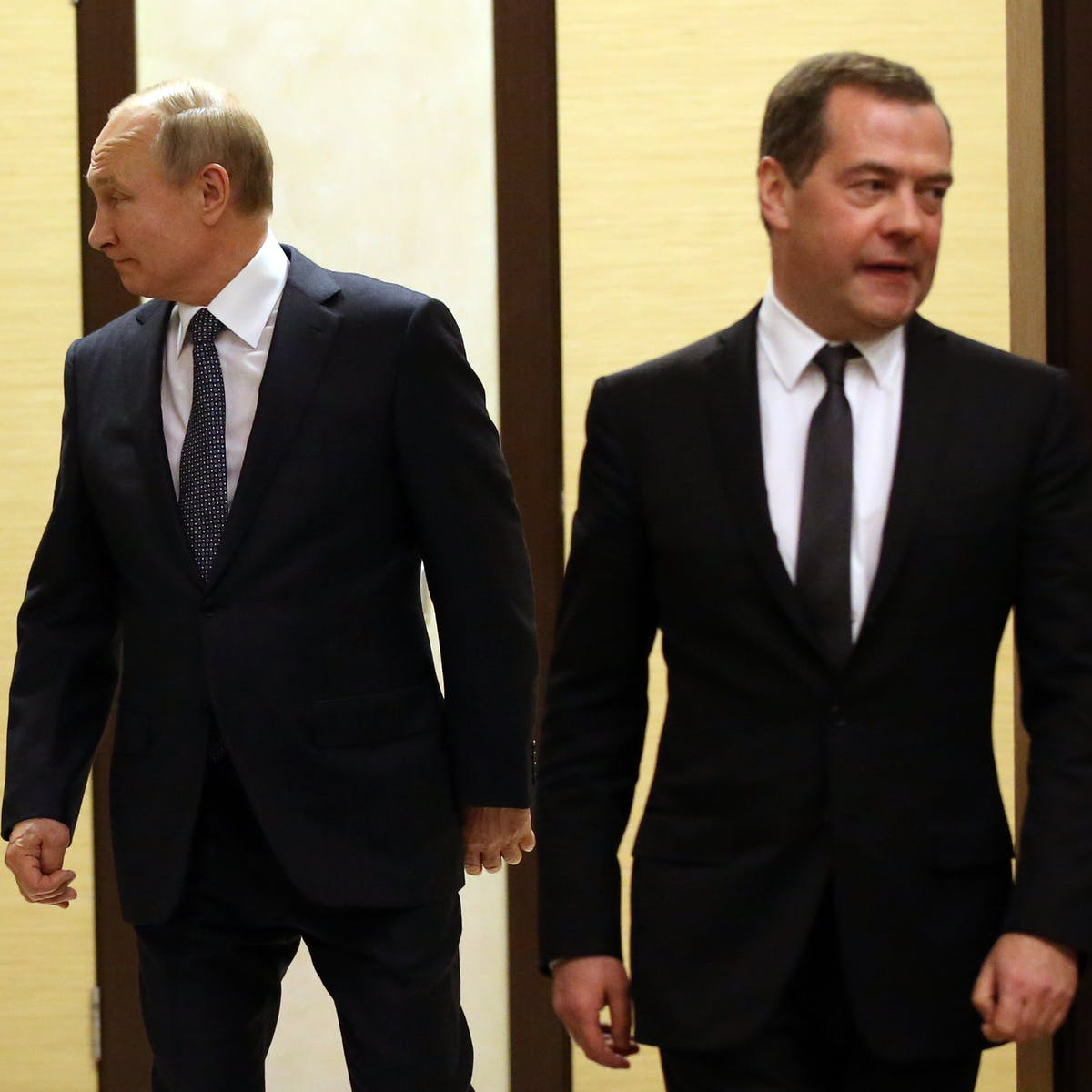 Russia S Cabinet Resigns And It S All Part Of Putin S Plan