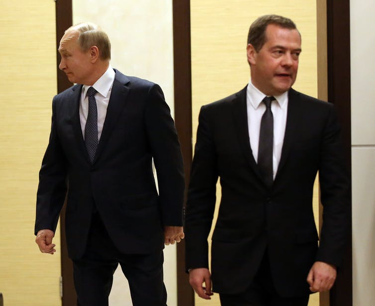Russia's cabinet resigns and it's all part of Putin's plan-1