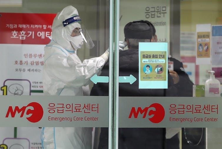 How does the Wuhan coronavirus cause severe illness?