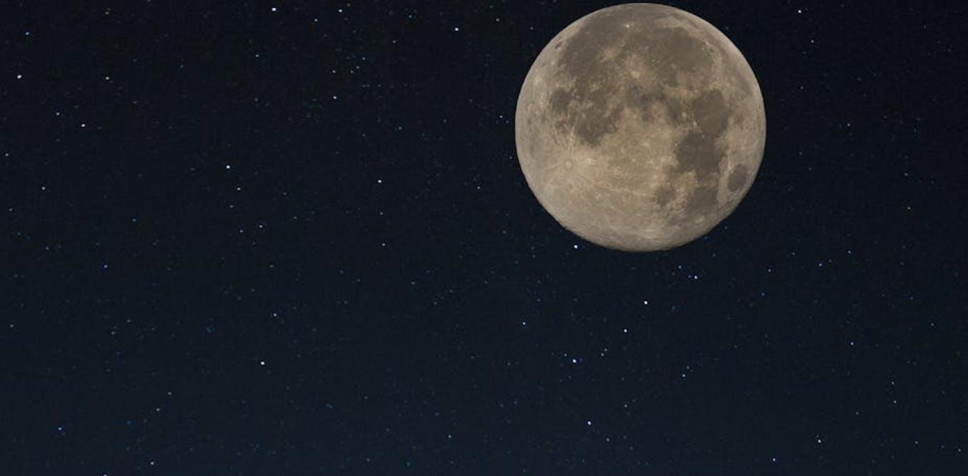 Supermoon, 5 mitos Bulan dan cara menyanggah kesal