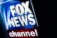 Murdoch memiliki atau punya kontrol terhadap publikasi yang seringkali menyebarkan anti iklim.