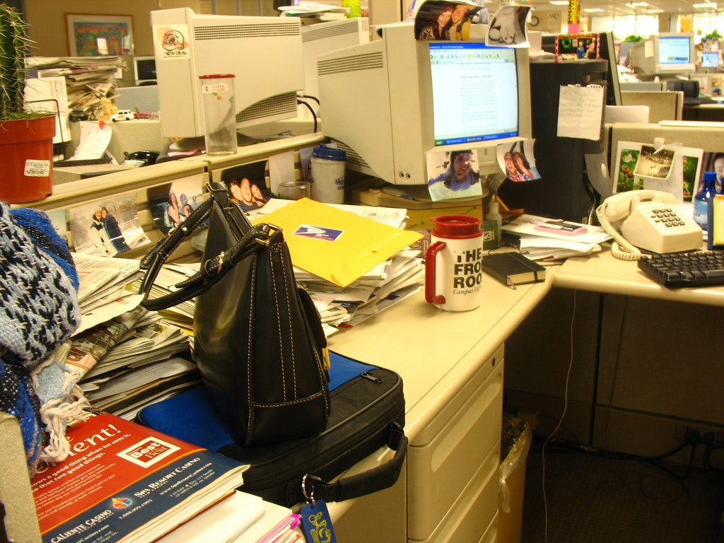 Mess Or Nest Do Clean Desk Policies Really Help Us Work