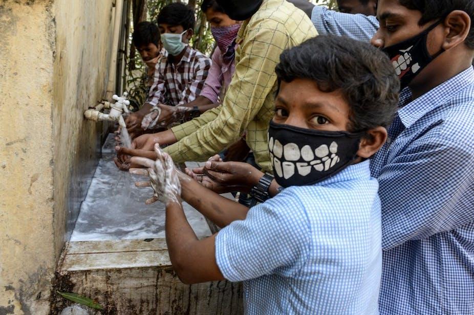 India and coronavirus: lack of access to handwashing facilities ...
