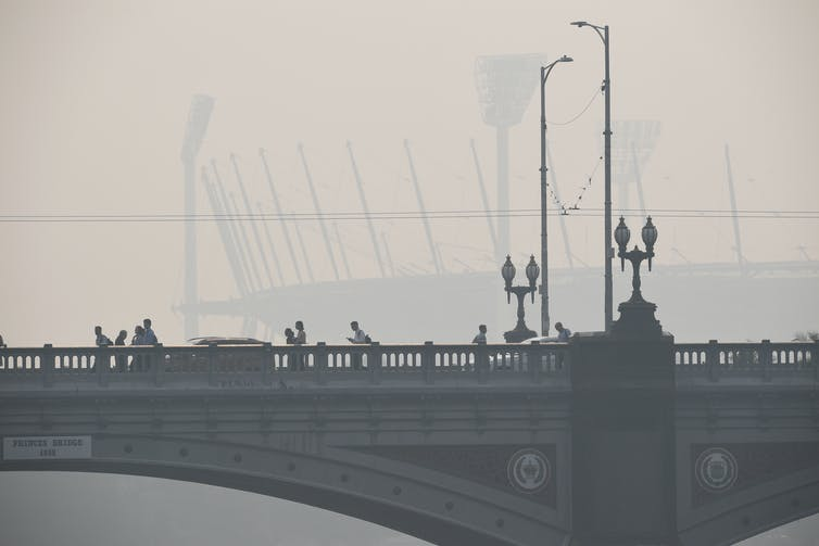 The smoke from autumn burn-offs could make coronavirus symptoms worse. It's not worth the risk
