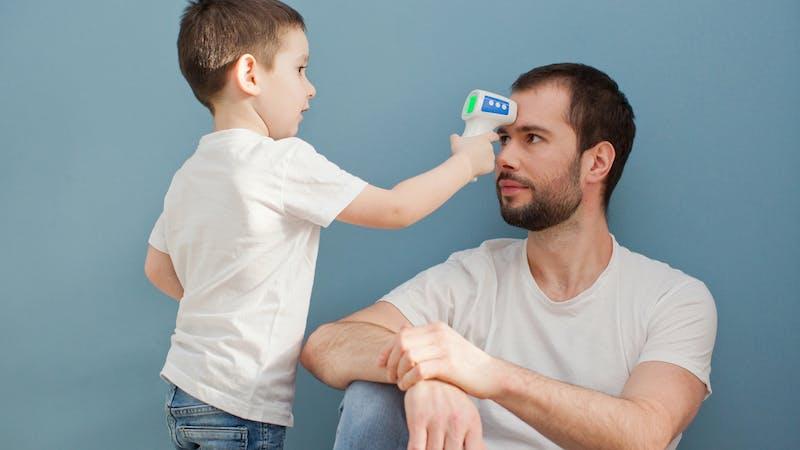 Padres que se involucran más con los hijos: ¿está empezando una revolución simbólica?