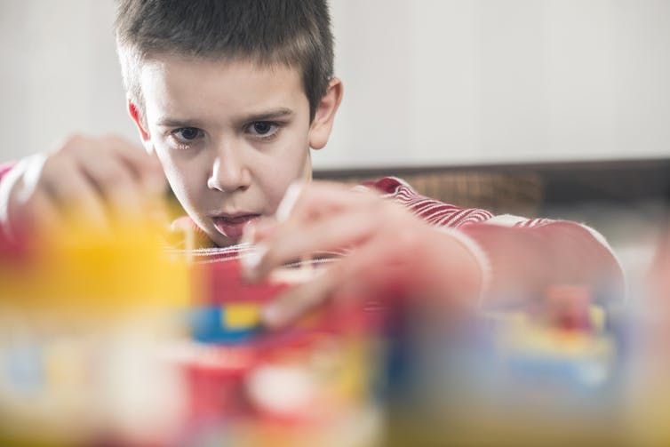 5 tips to help parents navigate the unique needs of children with autism learning from home
