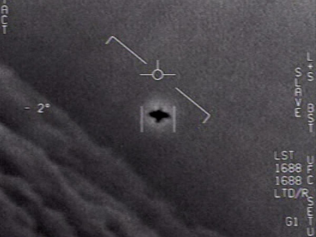 The Us Military Has Officially Published Three Ufo Videos Why Doesn T Anybody Seem To Care