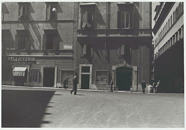 Friday essay: the Melbourne bookshop that ignited Australian modernism