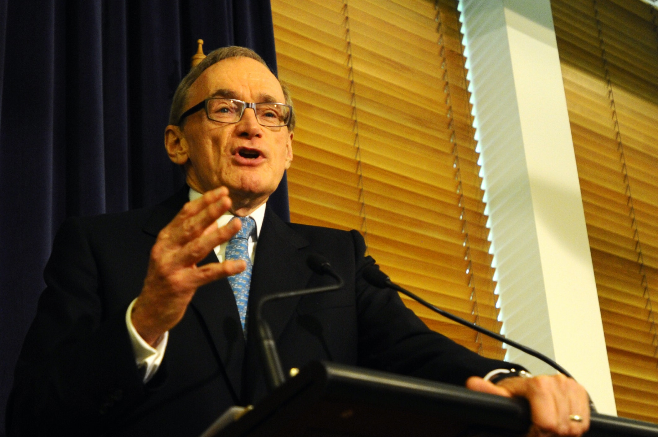 Bob Carr leaves, regretting the Labor government's lack of cunning and canniness