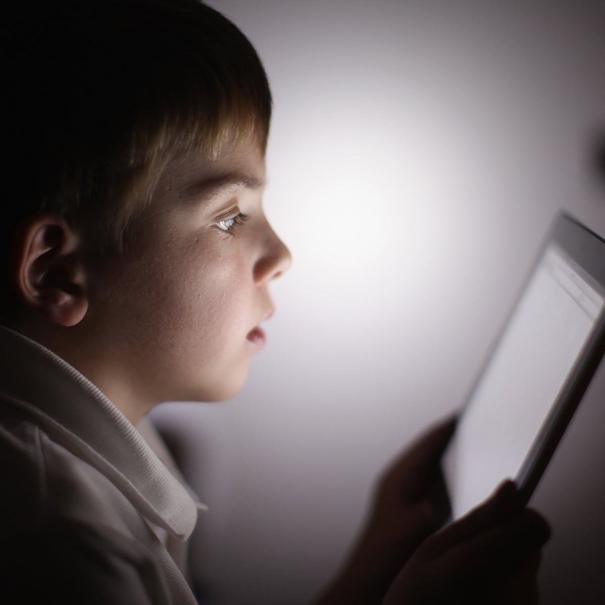 Increasing screen time during the coronavirus pandemic could be harmful to  kids' eyesight