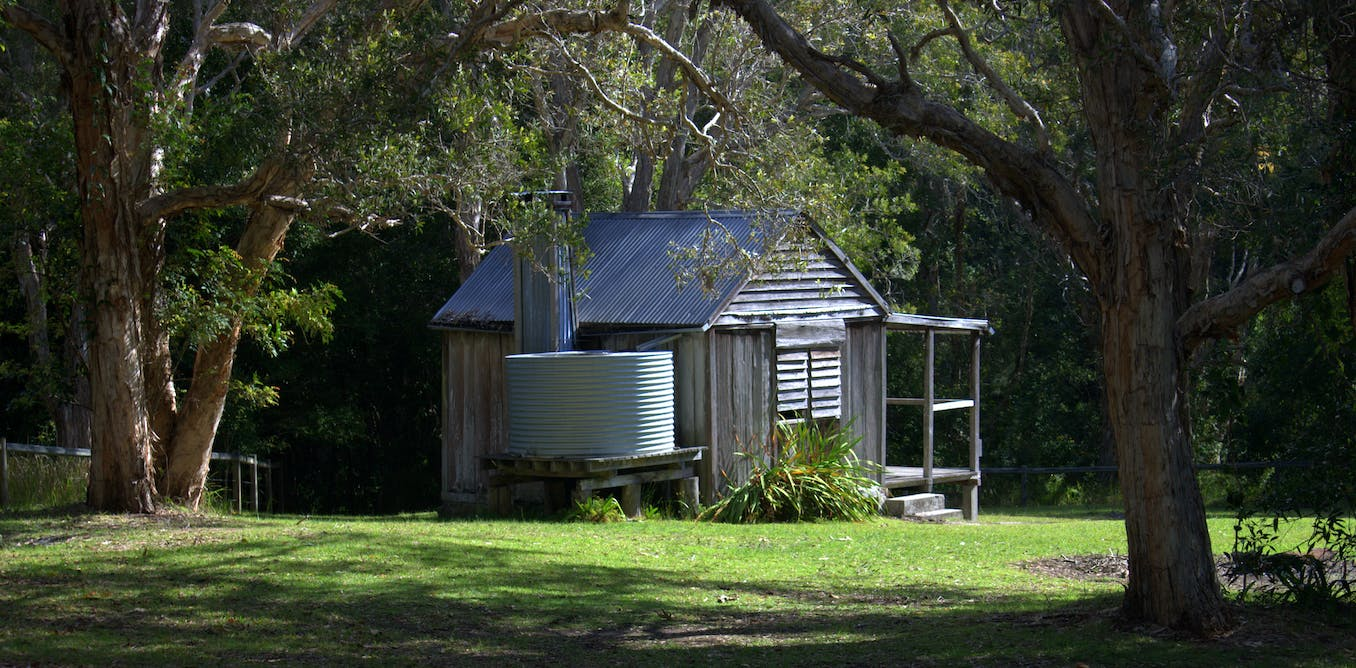 Kylie's hut: bushfires destroyed the writing retreat of an Aussie literary icon