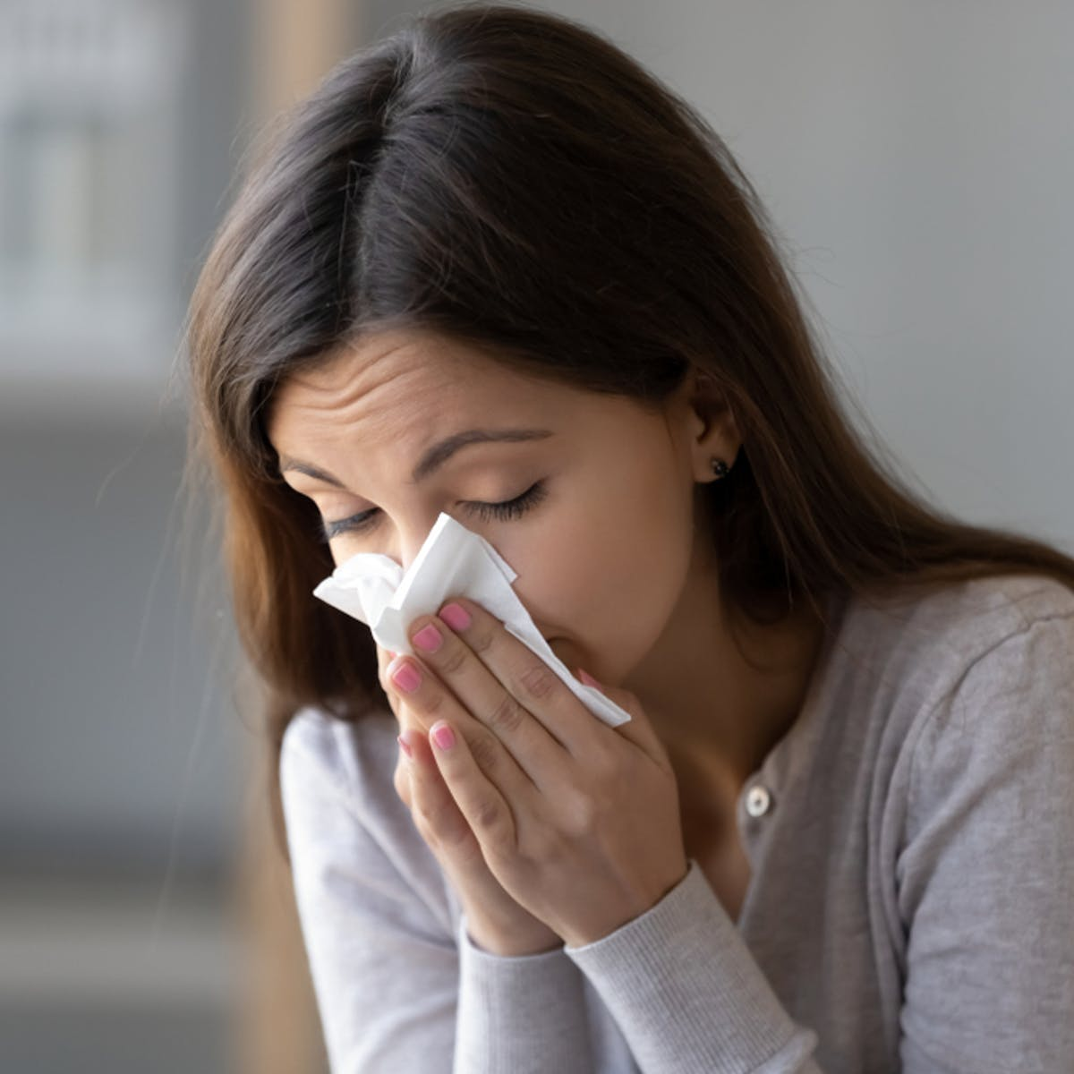 Sniffles Sneezing And Cough How To Tell If It S A Simple Allergy Rather Than The Virus