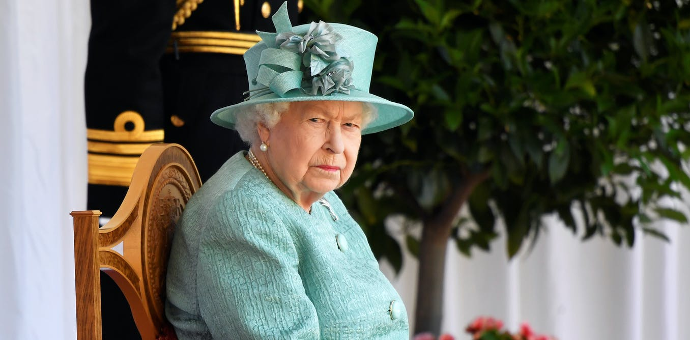 'Palace letters' show the queen did not advise, or encourage, Kerr to sack Whitlam government
