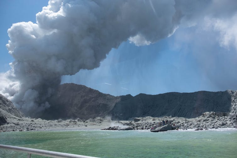 New Zealand's White Island is likely to erupt violently again, but a new alert system could give hours of warning and save lives