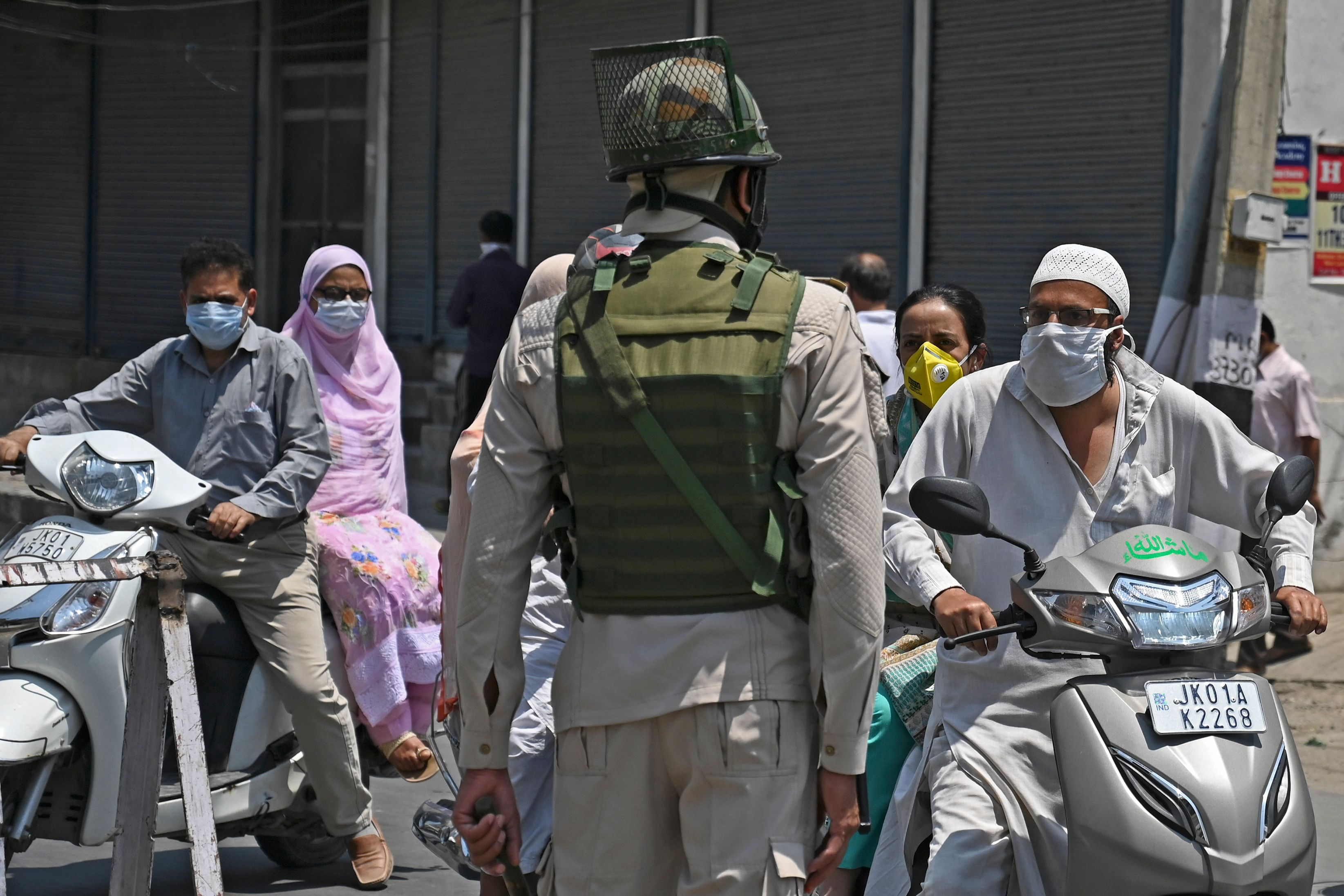 In Kashmir, Military Lockdown and Pandemic Combined Are One Giant Deadly Threat