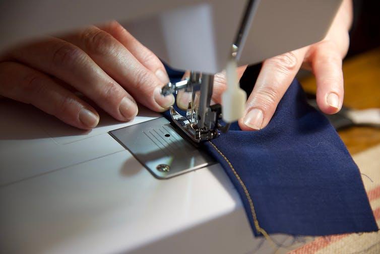 Using sewing machine to make face mask
