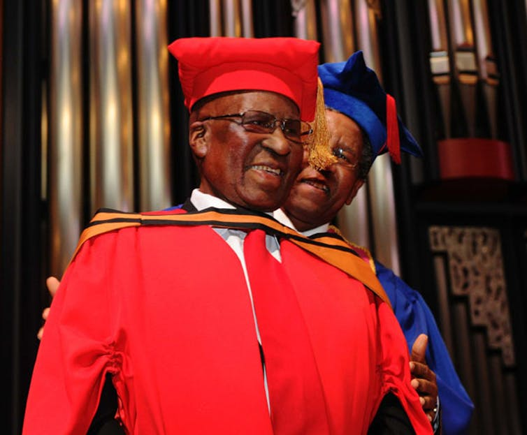 Andrew Mokete Mlangeni receives an honorary Doctor of Literature and Philosophy degree at Unisa.