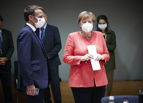 Emmanuel Macron, presidente de Francia y  Angela Merkel, canciller federal alemana.