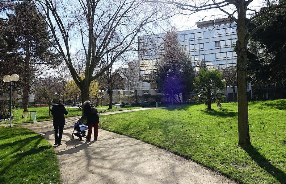 Jardin Debrousse Paris