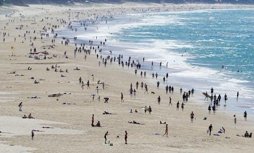 Crowds on a Gold Coast beach