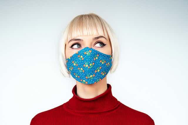 Woman wearing a cloth mask