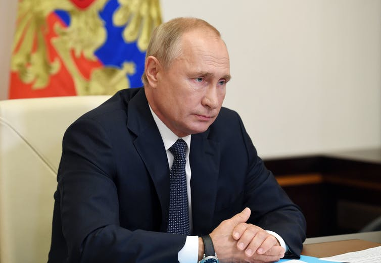 Putin receives a report from the Healthcare minister about registration of a coronavirus vaccine